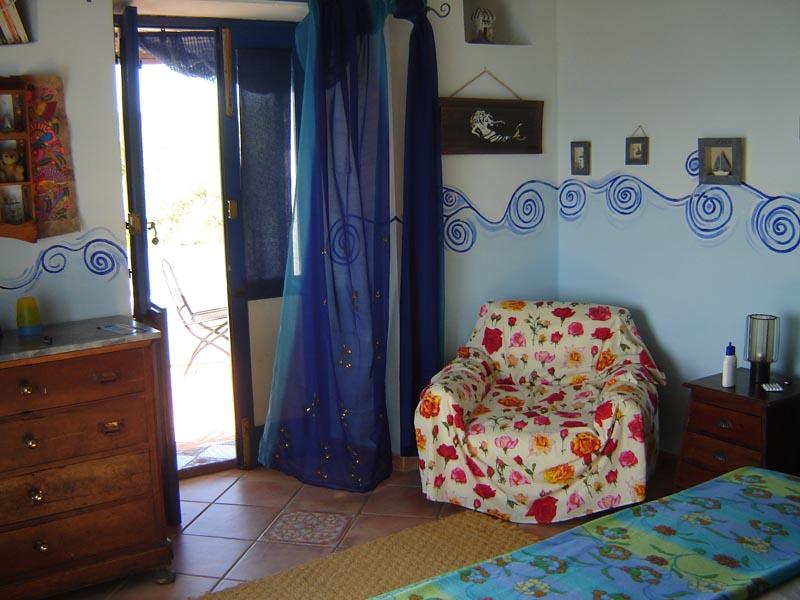 casetta-eoliana-interno-camera